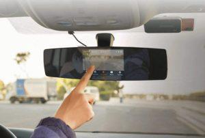 แนะนำ 8 อุปกรณ์เสริมในรถยนต์ สะดวกและมีประโยชน์